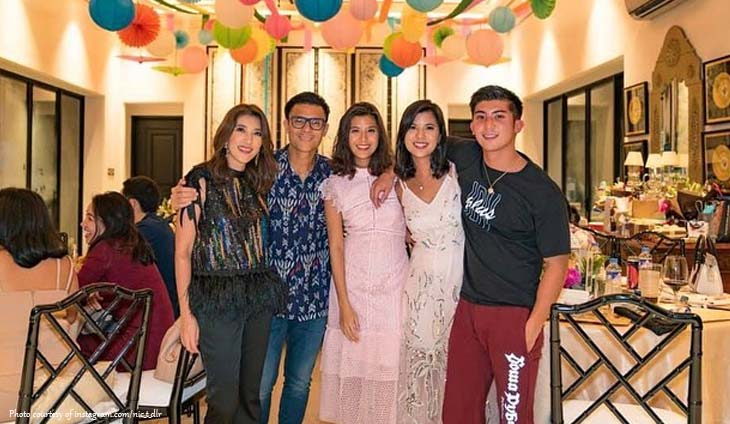 Tantocos Gather For Nicole And Camille S 29th Birthday